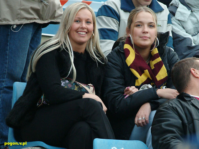 Supportrices... - Page 4 Pogon%20szczecin-girl_001