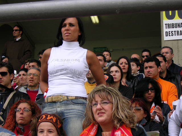 Supportrices... - Page 4 Roma-girl_001